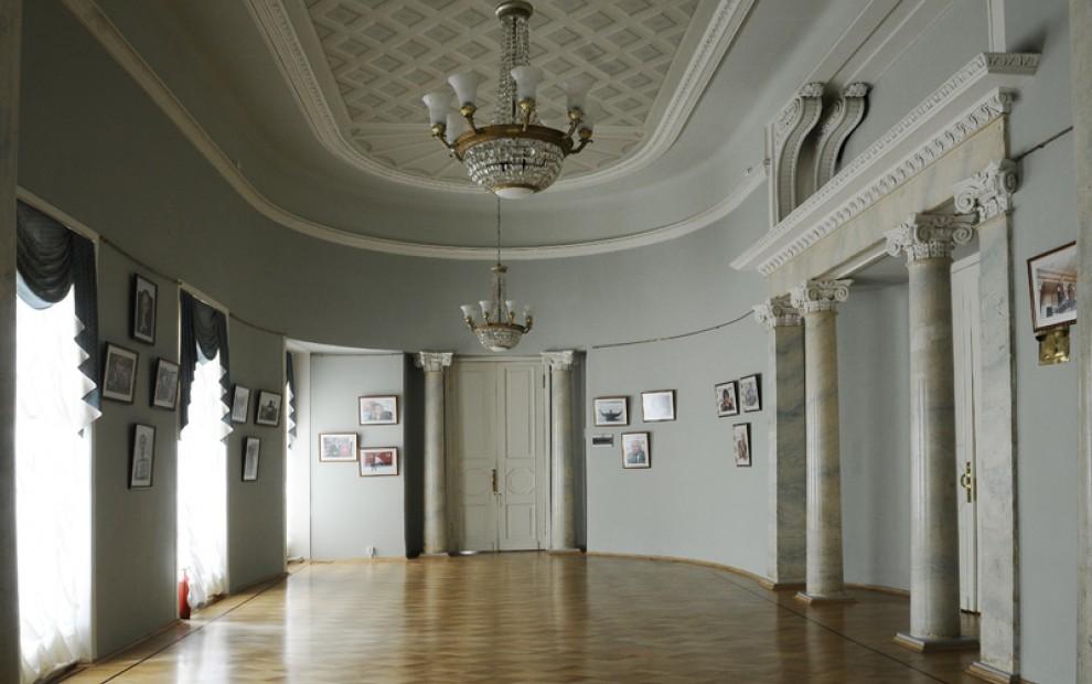 Овальный_зал