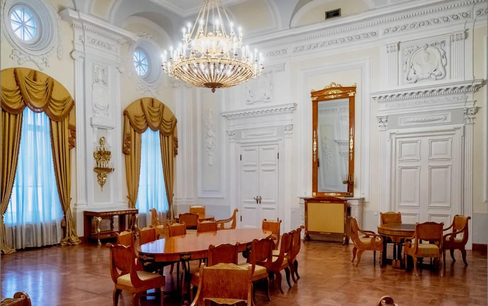 петровский_путевой_дворец_Петровская_гостиная3